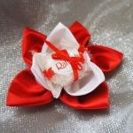 Бонбоньерка «алый цветок»